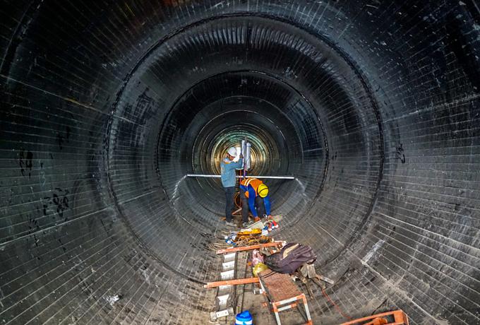 Down into Saigons biggest underground sewer system - 10