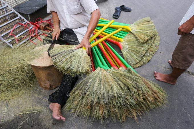 A few Saigon families continue to make a clean sweep - 8