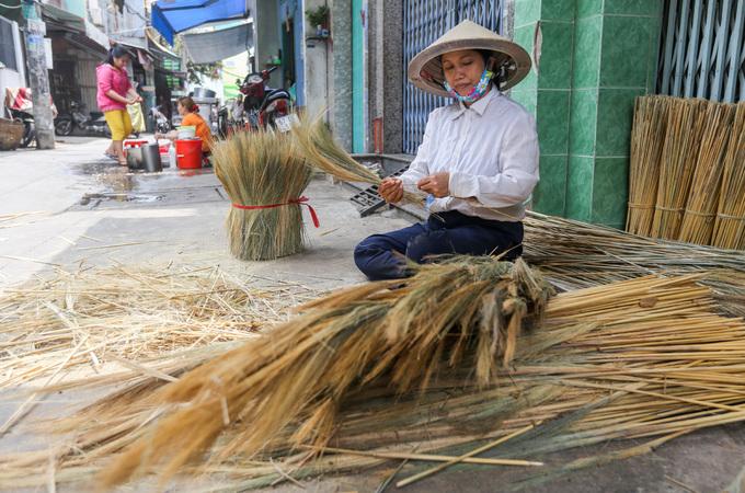 A few Saigon families continue to make a clean sweep - 3