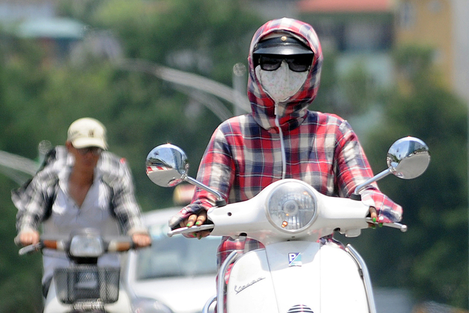 Hanoi swelters as UV index reaches alarming levels