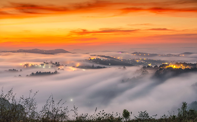 When Da Lat gets clouded, the view gets heavenly - 1