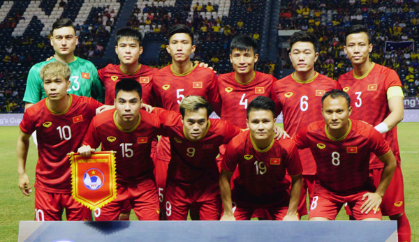 Vietnam football team, coach appointed ambassadors for anti-plastic waste  campaign - VnExpress International