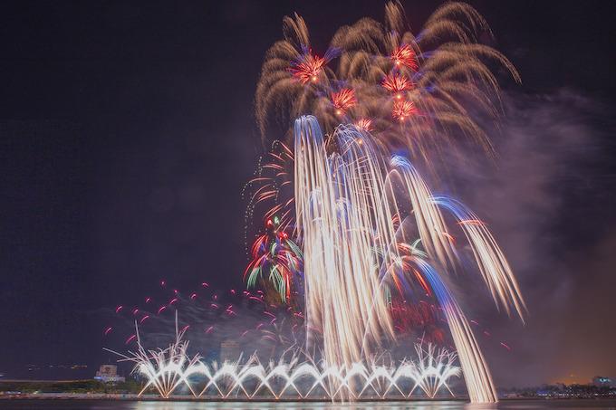 Finland lights up Da Nang skies, wins fireworks festival - 3