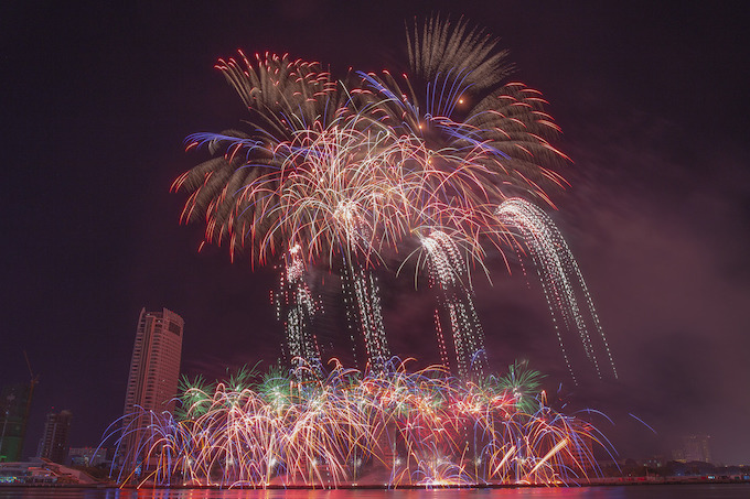 Finland lights up Da Nang skies, wins fireworks festival - 8