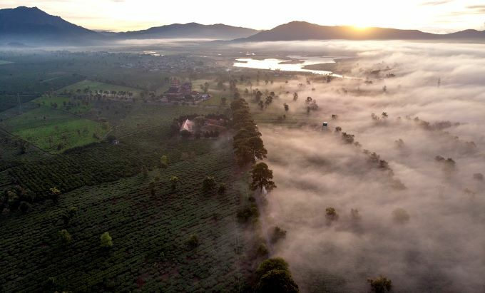 Misty enchantment of Gia Lai at dawn - 3