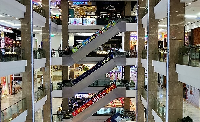 Inside Vincom Mega Mall in District 2, HCMC. Photo by Nafi Wernsing.