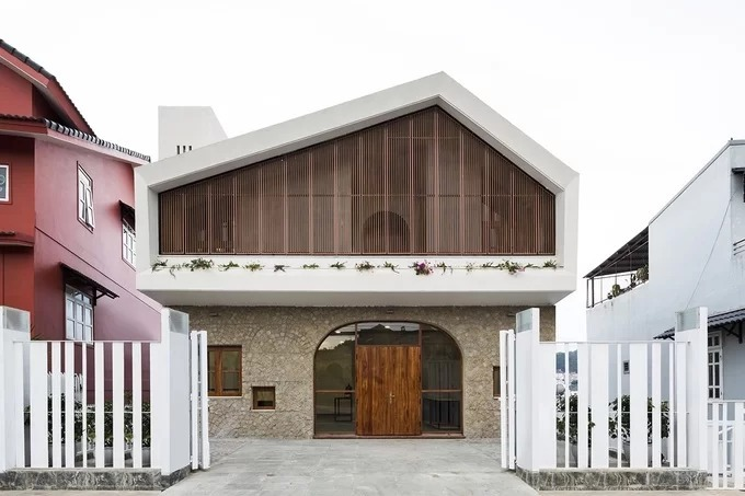 A Da Lat house has two fronts, no back portion - 2