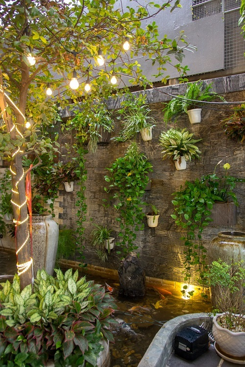 Saigon restaurant offers a verdant breathing space - 9