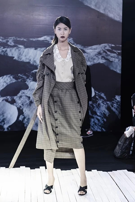 Vietnamese designer presents new twists in latest collection - 6