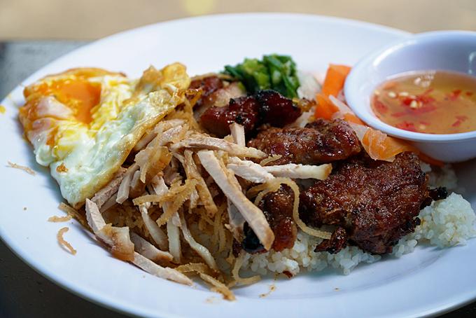 Saigon family-run street stall makes broken rice a specialty