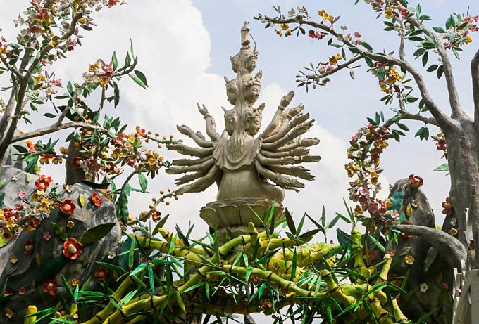 Pure Land pagoda's unique bamboo gate - 2