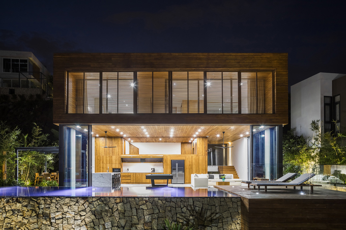 Pham Thi My An (MM++ architects), the architect of the house, decided to maximize the number of bedrooms and entertainment experience so that people will feel comfortable when they stay inside the piece of real estate.
