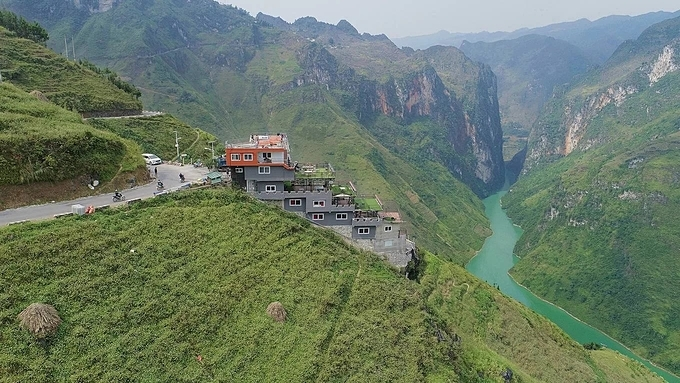 The Ma Pi Leng Panorama Hotel and Restaurant in Meo Vac District, Ha Giang Province. Photo by VnExpress/Giang Huy
