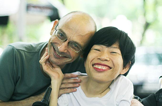 Van Thi Nguyen and her husband. Photo by VnExpress/Phan Duong.