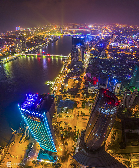 Dubbed the worth-living city, Da Nang has many beautiful beaches, buildings and modern resorts. Every summer, the city also attracts visitors by the international fireworks festival held on the banks of Han River.