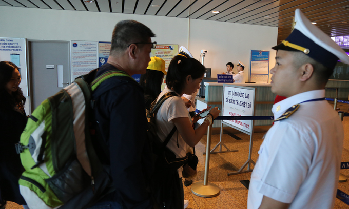 Vietnam suspends visas for visitors from coronavirus-hit areas