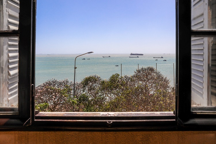 VZN News: The window of the(singular? You have not said which bedroom either!)bedroom offers a panoramic view of the sea.