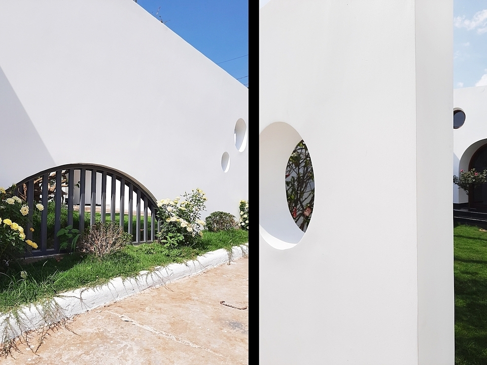 Located in a tranquil area without security concerns, the house has low fences, mostly to mark the boundaries.