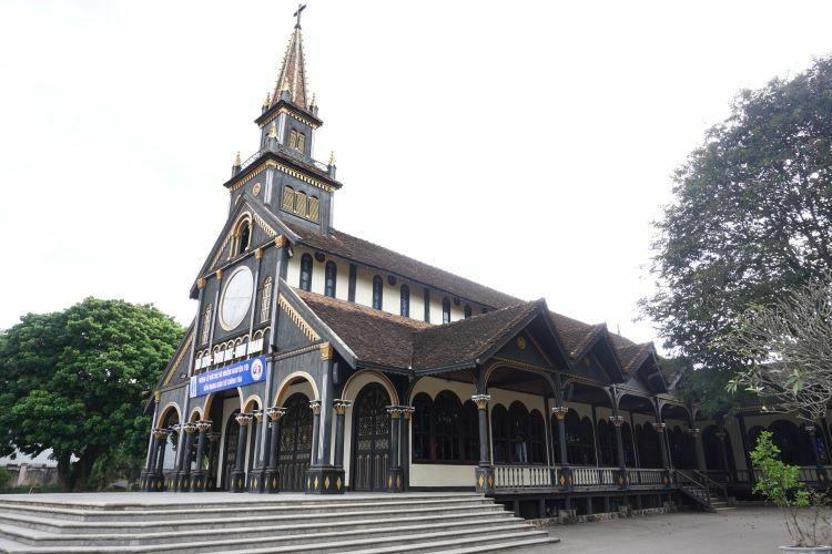 Kon Tum church. Photo by Xu Kien.
