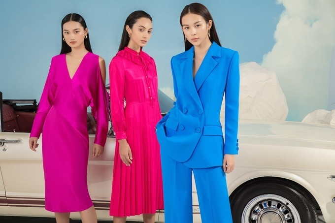 Colorful outfit in the new collection of leading designer Cong Tri. Photo by Vinh Luu.