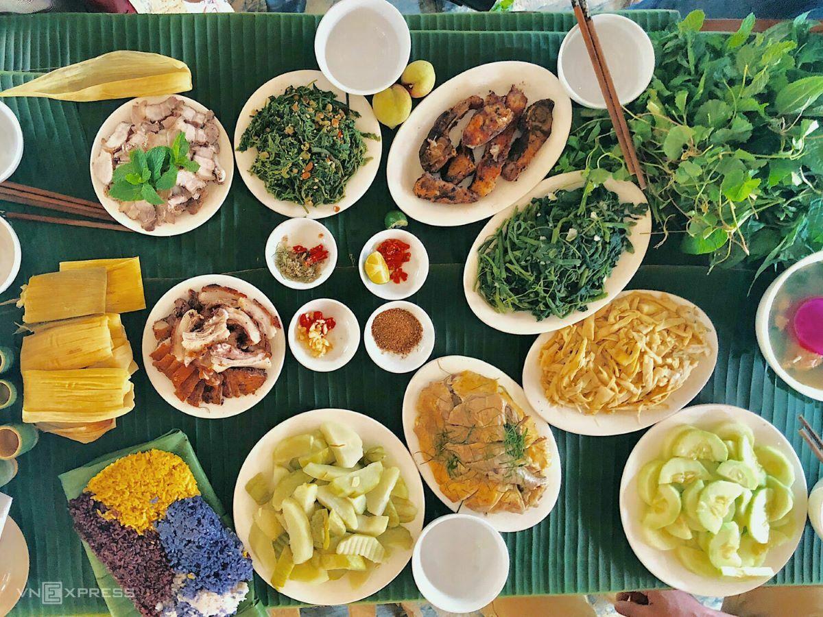 Northwestern Vietnam cuisine.