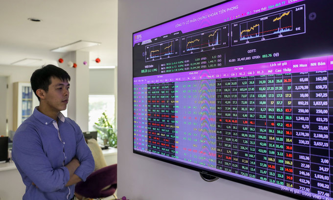 VN-Index recovers after major losing session