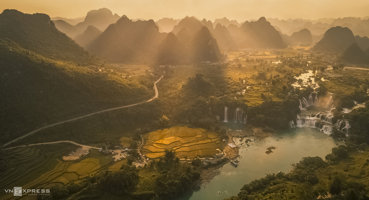 Autumn harvest, sunshine hues in Vietnam's northern highlands