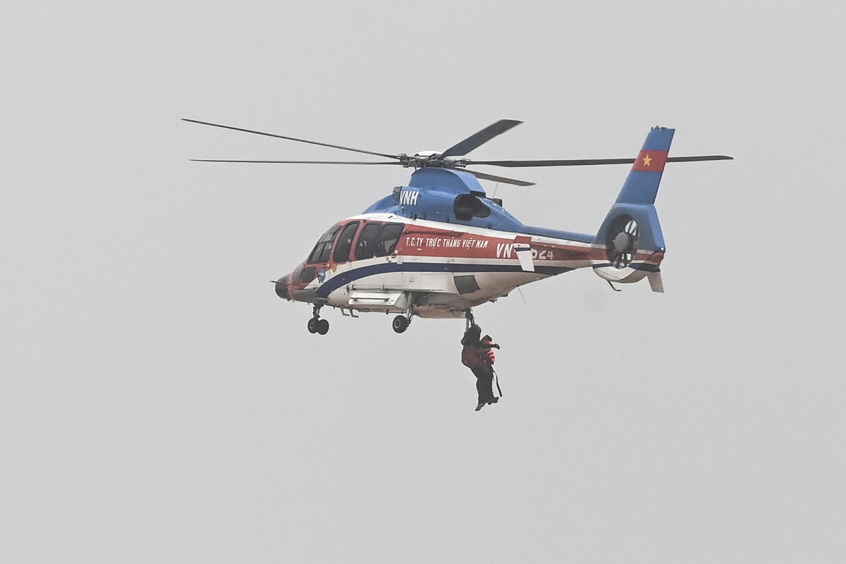 A scene during one of the rescue flight. Four flights have been conducted during this mission.