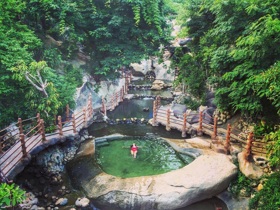 Four Vietnamese hot springs to revive the senses this fall - 4