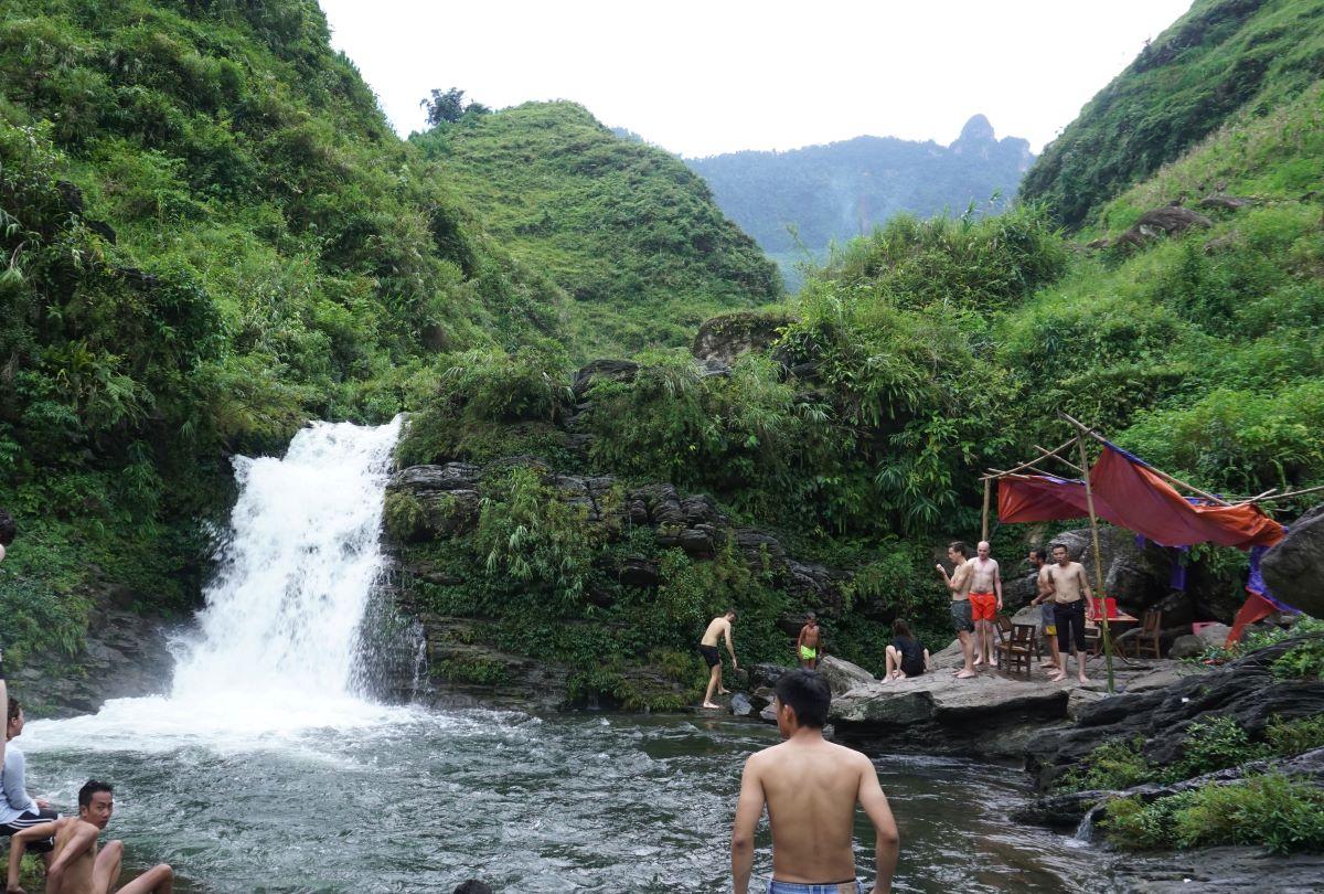 Tham Luong Waterfall. Photo by Xu Kien.