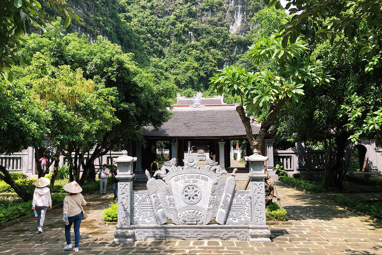 Limestone rich Trang An draws tourists with ancient allure