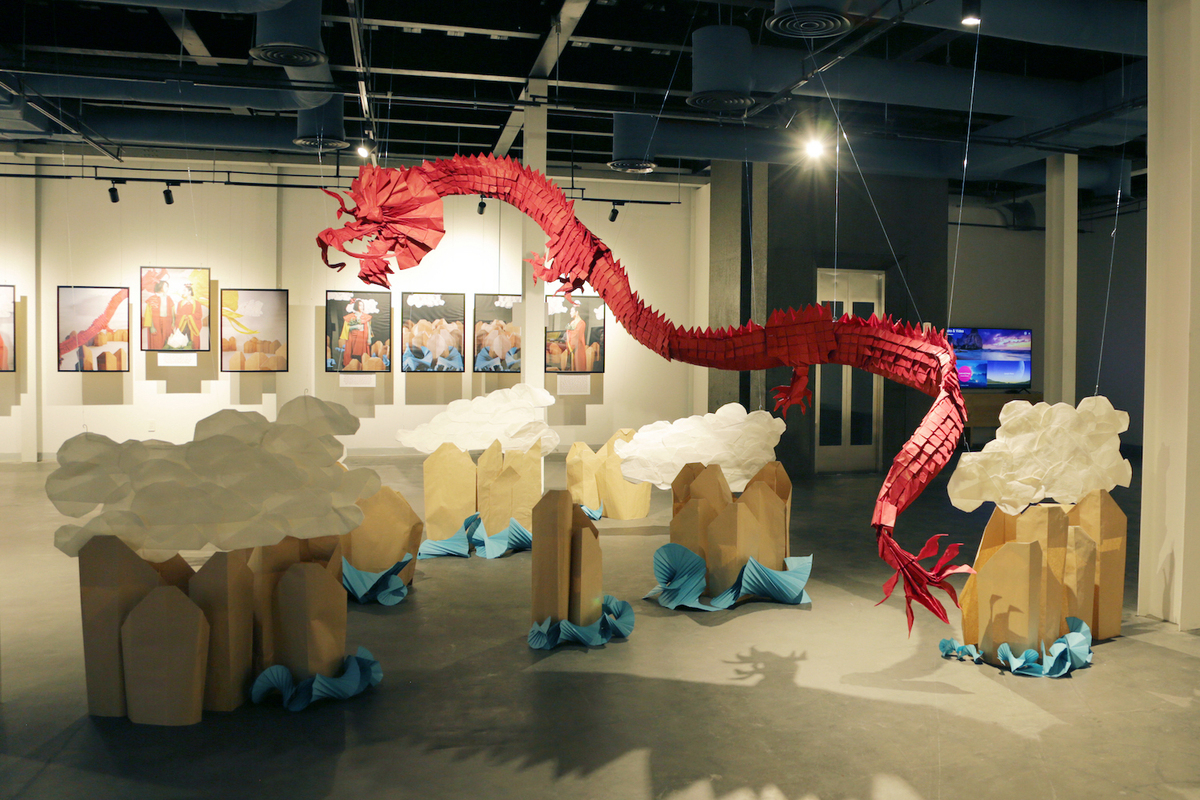 The red origami dragon at the exhibition. Photo by VnExpress/Thanh Hang.