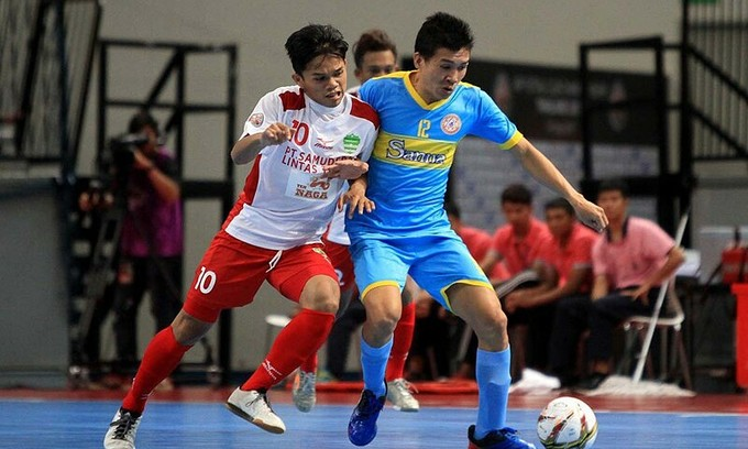 Futsal player wins fair play award for refusing to score against injured opponent