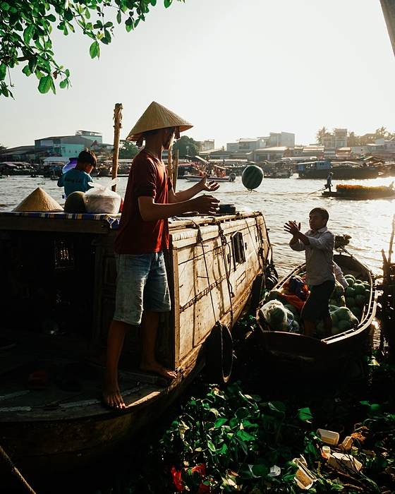A 40-minute boat ride is the best way to explore life along the waterways as it passes houses built on stilts over the water and boats in a bewildering variety of sizes, shapes and colors docked along the shore.