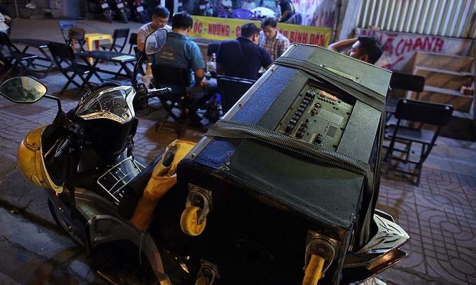 Mekong Delta province stops mobile karaoke over Covid-19 fears