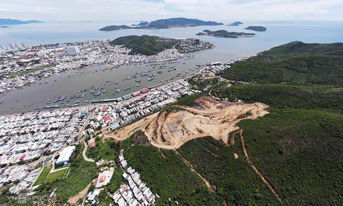 Resort developer has Nha Trang on tenterhooks with explosive site clearance