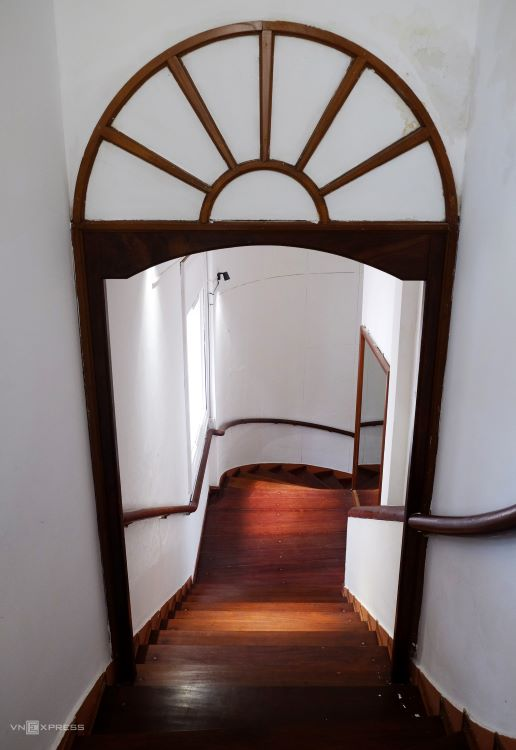 The twisted wooden staircase is regularly maintained so it is still in good shape.