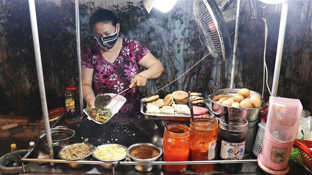 5 must-try snacks in China town - 1