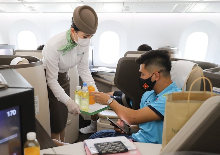 Experience the Business class service on wide-body Boeing 787-9 Dreamliner of Bamboo Airways