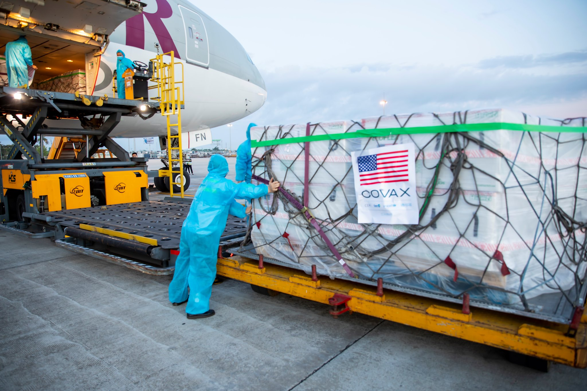 Moderna vaccines donated by the U.S. arrive in Noi Bai Airport in Hanoi on July 10, 2021. Photo courtesy of UNICEF.