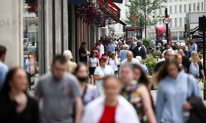 Vietnamese remain vigilant as UK eases Covid restrictions