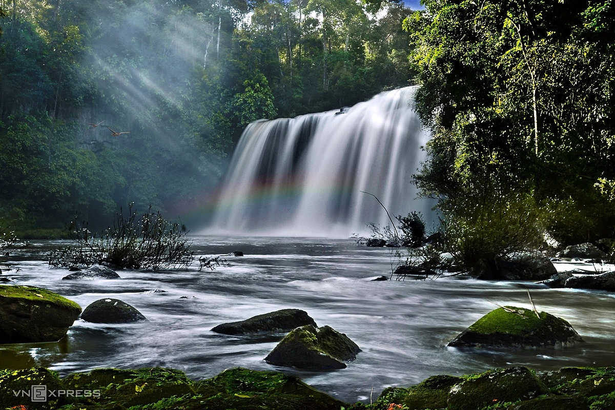 Inside Kon Chu Rang Nature Reserve, there are 12 waterfalls at a height of over 15 meters in the middle of primeval forests. Due to their seclusion, these waterfalls remain pristine and have yet to be overrun by tourist hordes.