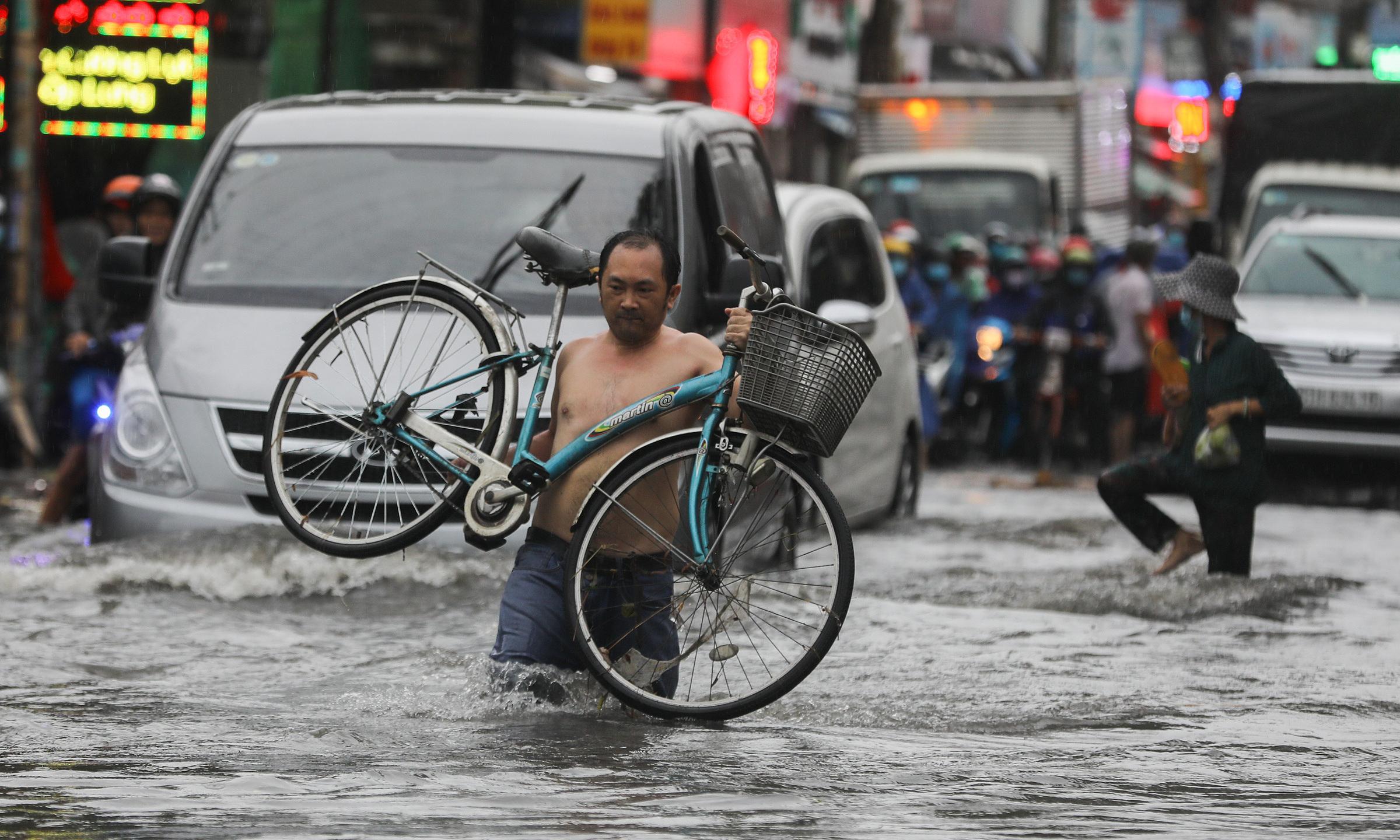 Climate change 'war without gunfire', president tells UN Security Council