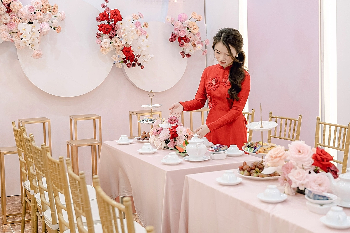 Hanoi sees mad rush down wedding aisle as Covid restrictions ease